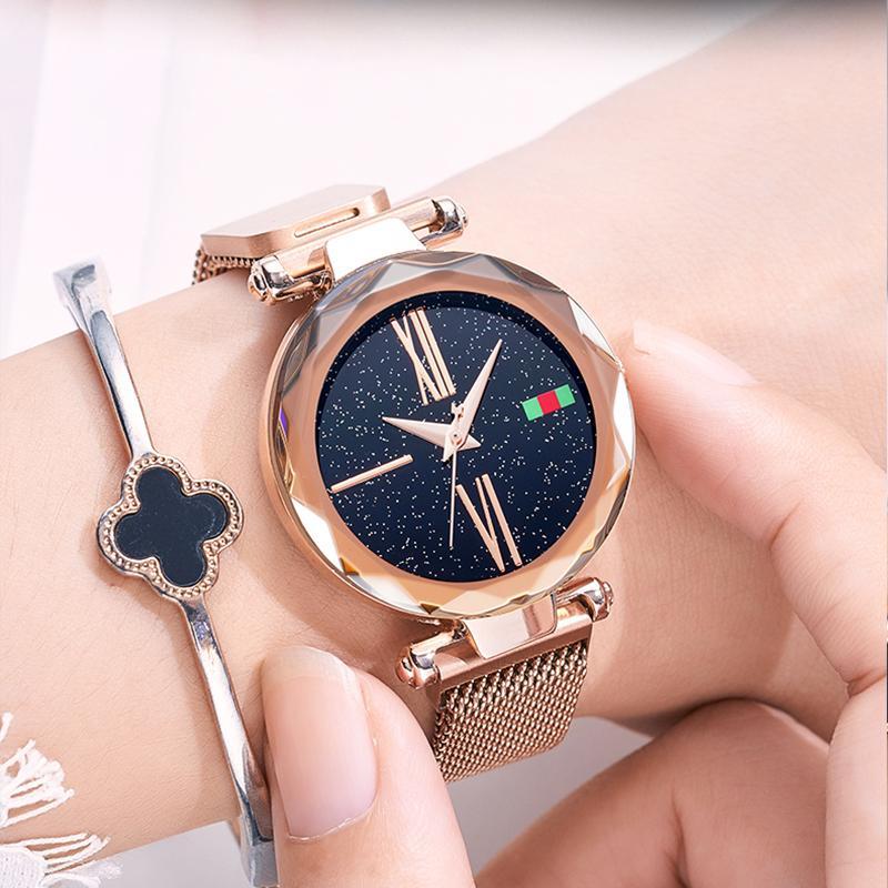 85c415afac71 Compre Lujo Oro Rosa Relojes De Las Mujeres Niñas Cielo Estrellado Imán  Hebilla Moda Casual Reloj De Pulsera Femenino Impermeable Número Romano  Reloj A ...