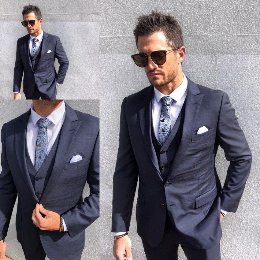 Acheter 2019 Hommes Costumes De Mariage Fit Deux Boutons Trois Pièces Avec  Pantalon Gilet Veste Smokings Mode Groom Affaires Costumes De Carrière De   120.64 ... b0c4dc0d66d