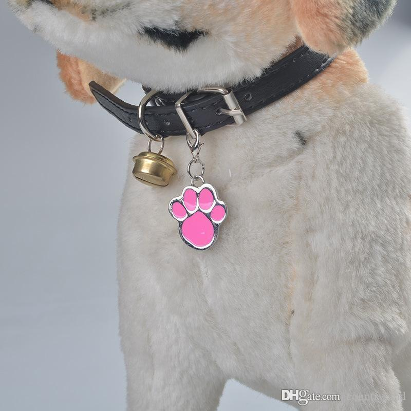 1000pcs/lot Metal Foot Paw Shaped Pet ID Tag 3*2cm Glitter Colorful Engraved Dog Tag Pendant Hanging Ornament Pet Supplies 20180920#