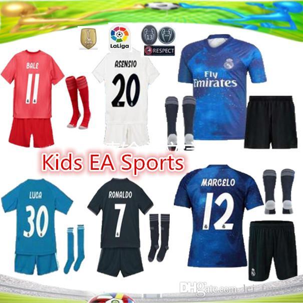 c9185d14f86 2019 Real Madrid Goalkeeper Balck Kids Kit+Socks Soccer Jersey 18 19 20  Madrid  1 NAVAS Blue Soccer Shirt COURTOIS Football Uniforms Jerseys Canada  2019 ...