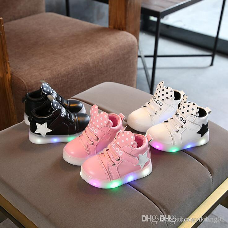 NEW Fashion Childrens Luminous Shoes Stars Print Girls Flat Shoes Luminous Non-slip Wear-resistant Childrens Shoes Best quality A008