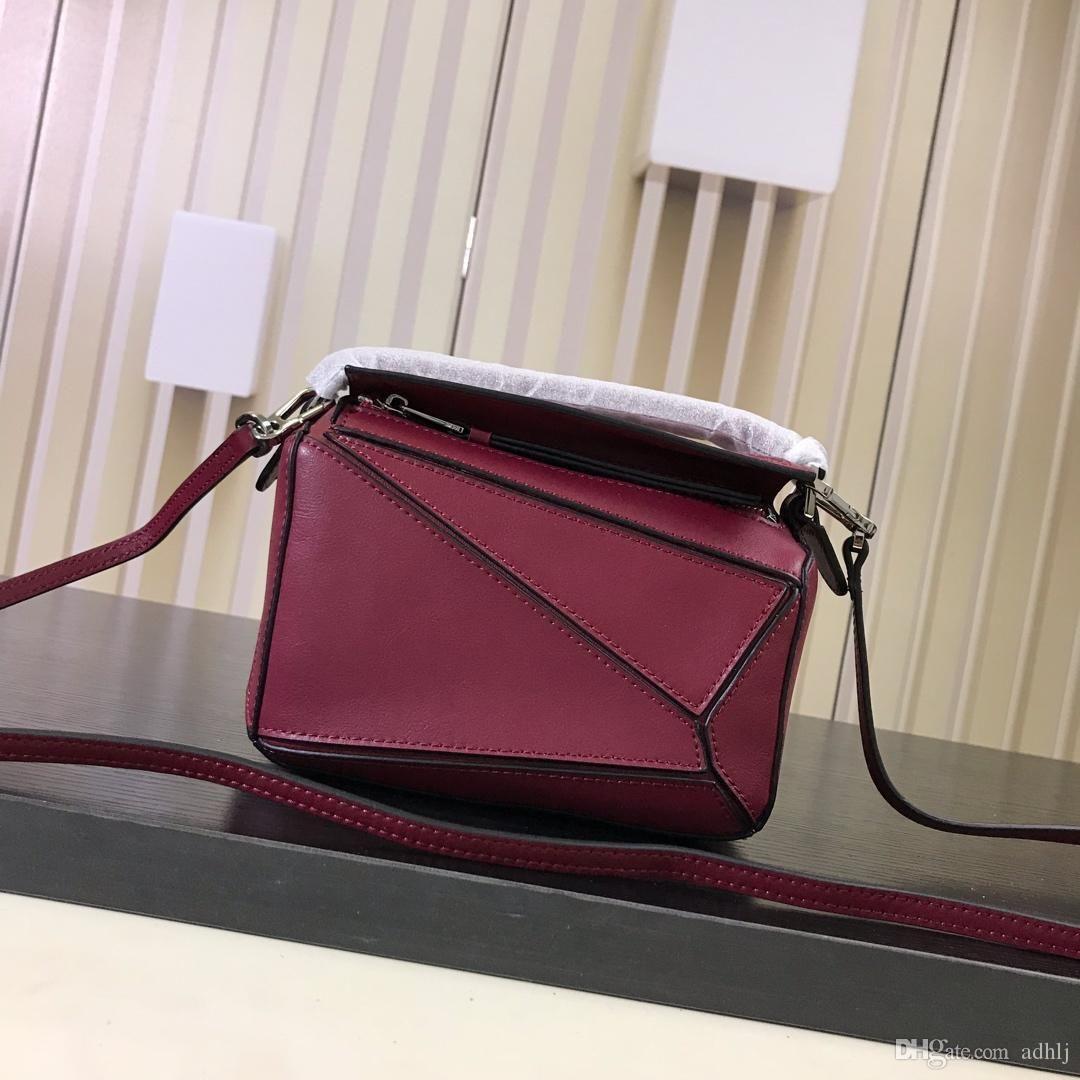 9de6e74bcd19 AAAAA new fashion luxury high-end messenger bag 2019 new shoulder Messenger  bag leather brand-name bag solid color wild number: 061838.