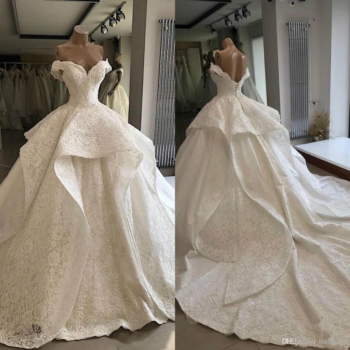 Short Sleeves Ball Gown Wedding Dresses 2019 Modest Full Lace Bridal Gowns Off The Shoulder Robe De Marriage Luxurious Wedding Wear