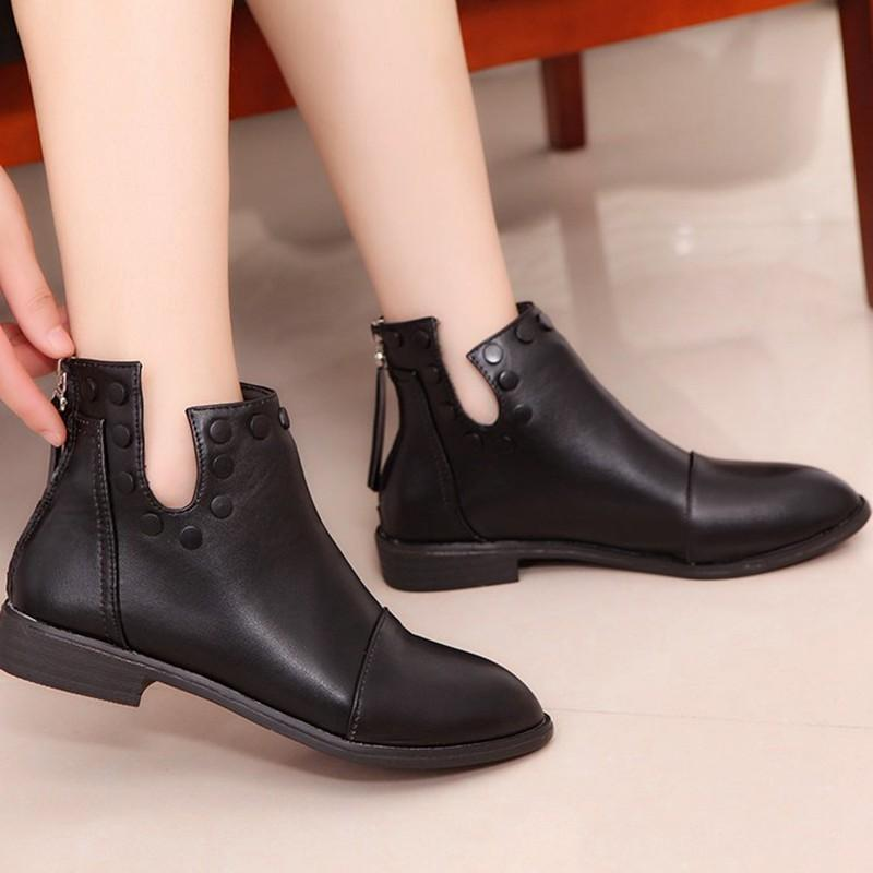 44549efe63 COOTELILI Fashion Rivet Ankle Boots For Women 2018 Autumn Winter Zipper Flat  Shoes Woman Black Casual Rubber Boots Women 35 39 Men Boots Red Boots From  ...