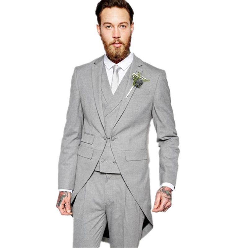 22be2ec97e4a Acquista 2019 Grigio Chiaro Vestito Da Sposo Smoking Abiti Da Uomo Giacca +  Pantaloni + Cravatta + Gilet Realizzati Su Misura Uomo Abiti Da Uomo A   163.54 ...