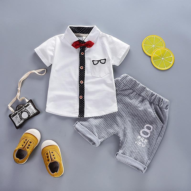 Compre Boa Qualidade Moda Menino Cavalheiro T Shirt + Shorts Infantil Bebê  Verão Casual Wear Adequado Para Crianças Conjunto De Roupas De Festa De ... b97c4ba7a9b