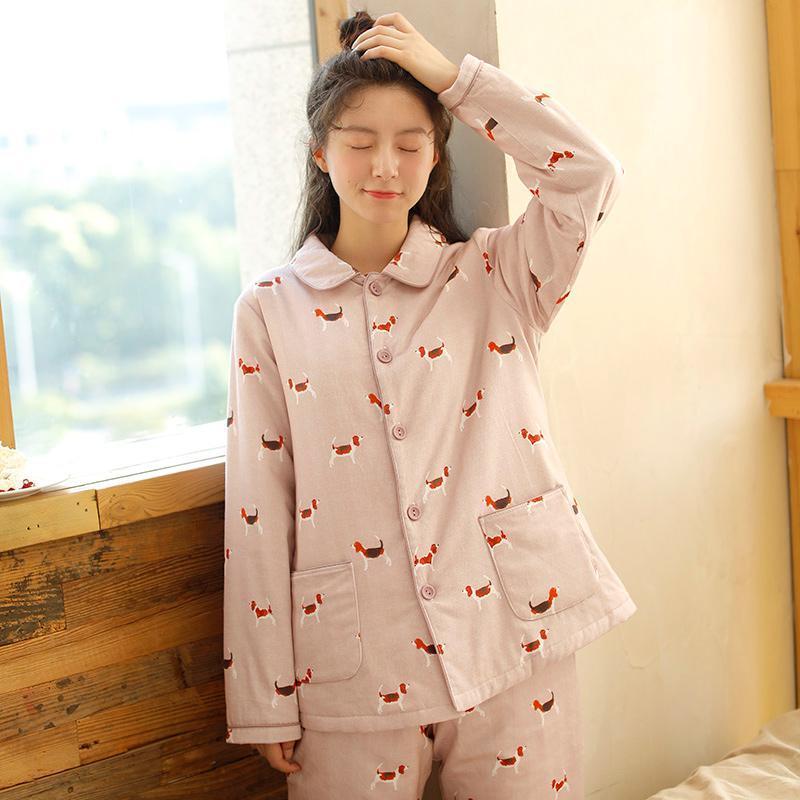 961dc6575 Compre Mulheres Conjuntos De Pijama Flanela De Manga Comprida Calça Terno  Dos Desenhos Animados Cão O Pescoço Quente De Veludo De Coral Terno Das  Mulheres ...