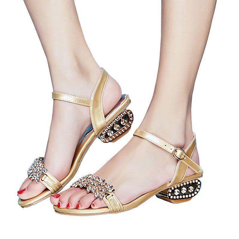 87eb42464989eb Women S Nina Low Heel Pump Sandals Lexie Crystal Dress Heeled Sandals Flip  Flops Summer Beach T Strap Flat Sandals Cheap Sandals Summer Sandals From  Meyi