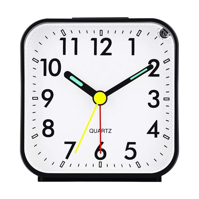 3740afe96cb Compre Non Ticking Despertador Analógico Com Luz Noturna E Snooze   Alarme  Som Ascendente   Simples De Definir Relógios   Alimentado Por Bateria    Pequeno ...
