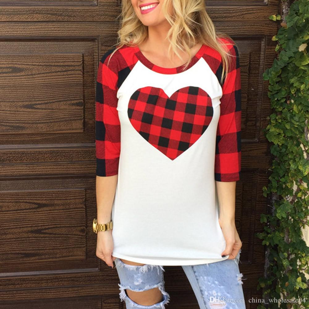 538164f5ff910 2019 Spring Style Harajuku T Shirt Women Lovely Valentine S Day Sweater  Gift Plaid Heart Printed 3 4 Sleeve T Shirt Crop Top From  China wholesale04