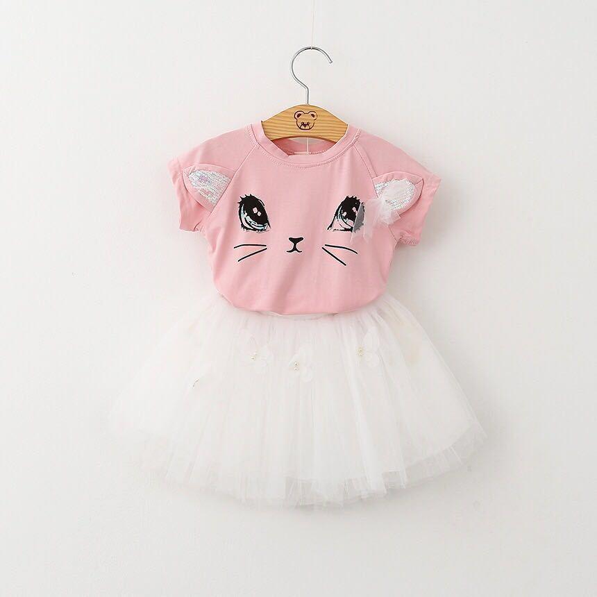 72d491b01b Compre 2019 Ternos Da Menina Do Bebê Bordado Vestido De Crianças Menina  Roupas De Aniversário Conjunto T Shirt Dos Desenhos Animados + Vestido Saia  Crianças ...