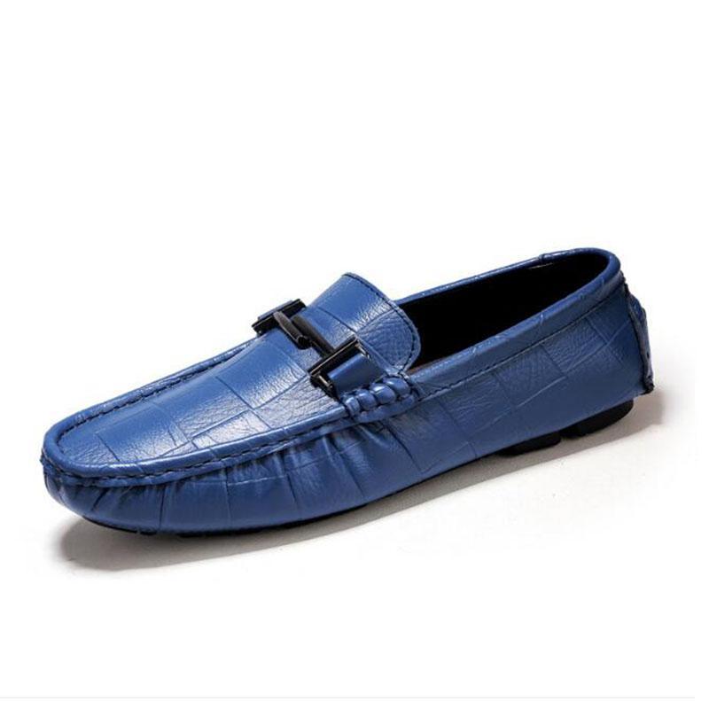 da0fb1fe7a Compre Mocassins Homens Sapatos Casuais 2019Spring Men Couro Genuíno Mocassins  Homem Lazer Sapatos Masculinos Esportes Ao Ar Livre Não Deslizamento Size13  ...