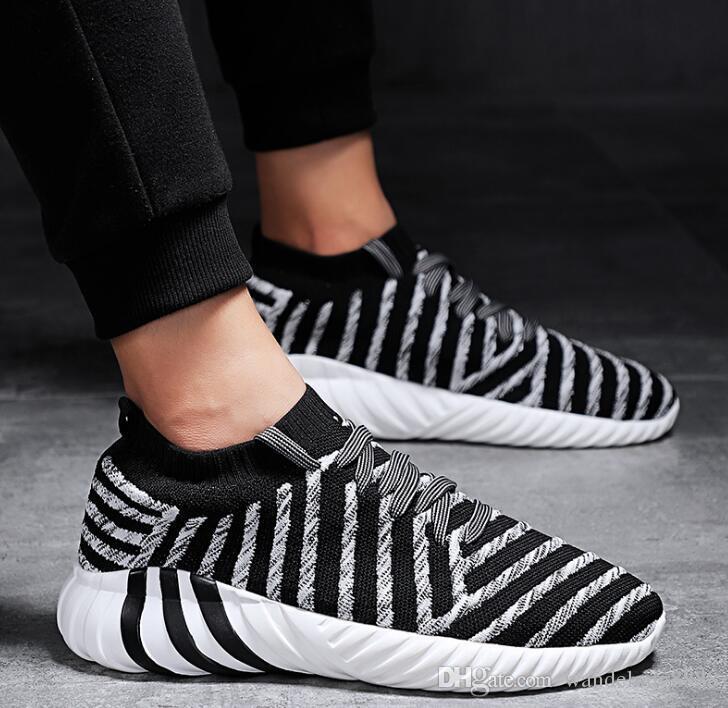 Compre 2018 Otoño Nuevo Vuelo Zapatos Tejidos Tejidos De Malla Transpirable  Zapatillas Casuales Calcetines De Choque Calcetines Modelos De Explosión1 A  ... b76c0706793
