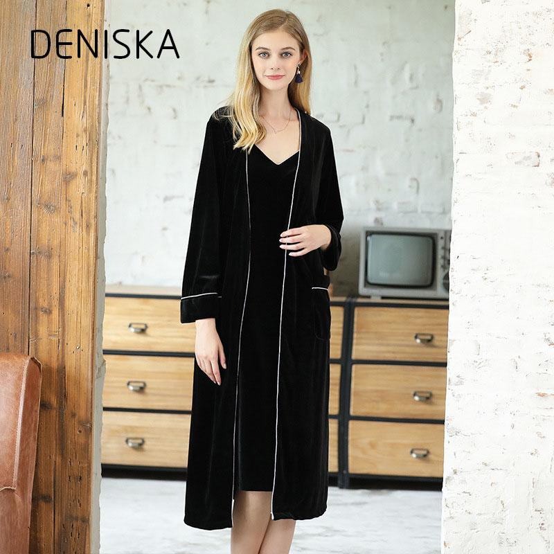 b498ee1707 2019 DENISKA Autumn And Winter Velvet Thick Women S Towel Bathrobes Home  Wear Terry Bathrobe Solid Color Long Home Robe For Women From Yuhuicuo