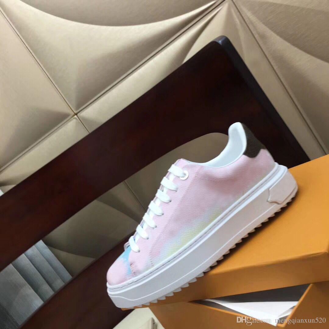 سيدة عارضة الأحذية 100٪ طباعة جلد حذاء رياضة أحذية الدانتيل متابعة امرأة أحذية أزياء منصة جديدة السيدات الترفيه أحذية كبيرة الحجم 35-42