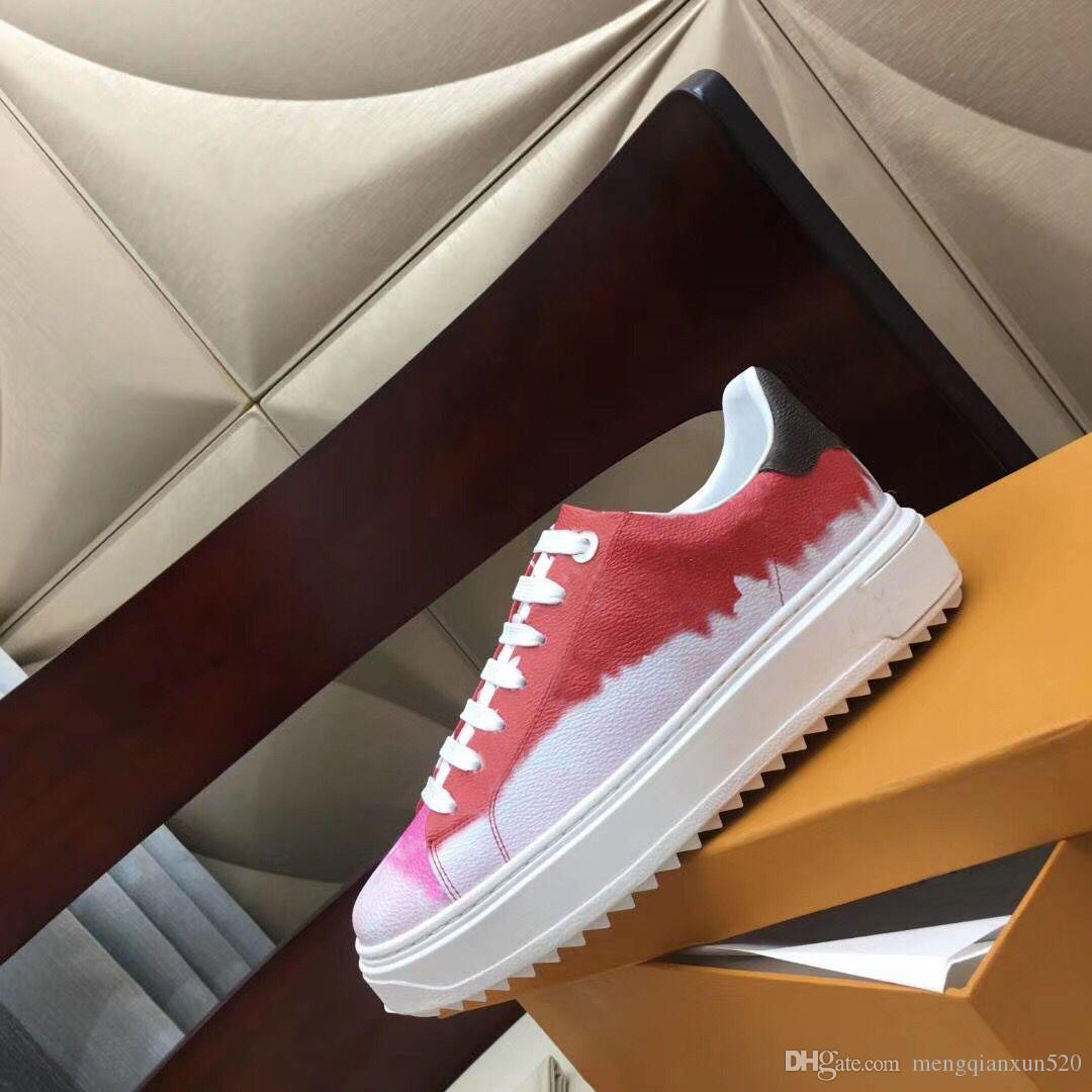 Lady Sapatos Casuais 100% Impresso Couro Flat Sneaker Letras Lace-up Mulher Sapatos de Moda Plataforma Novas Senhoras Lazer Sapatos Grande Tamanho 35-42