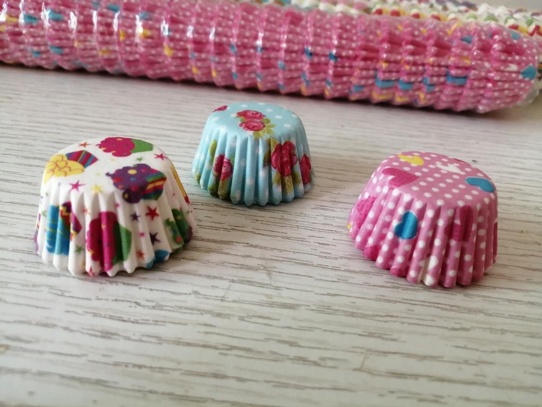 حجم صغير حلو ورقة كب كيك المتشددين الحالات الكعك الكؤوس الخبز كعكة كوب قالب زخرفة قاعدة 2.5CM