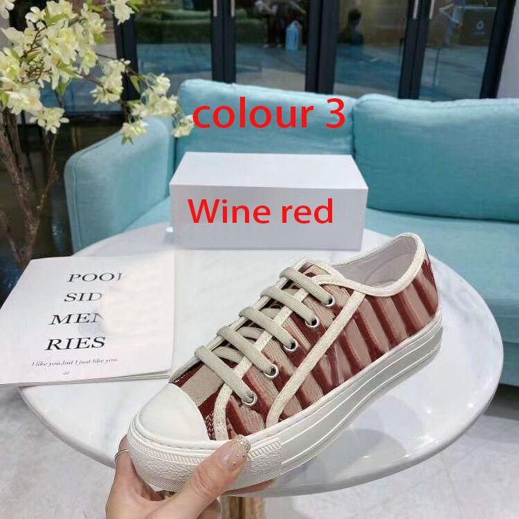 Designer Dame flache beiläufige Schuhe Leder Plattform Sneaker Letters Spitzen-up Luxus-Frau Schuhe Mode neue Männer druckten Schuhe Größe 4-42-44