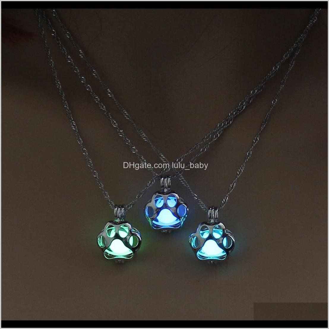 cutest metal pet cat necklaces for woman animal dog paw hollow christmas luminous pendant necklace glow in the dark wholesale