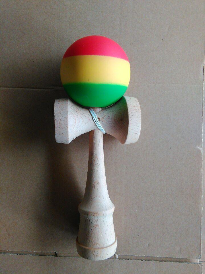 200 unids Alta calidad Divertido Japonés Tradicional Juego de Madera Juego de Juguete de arco iris kendama caucho rasta kendama tres colores para adulto