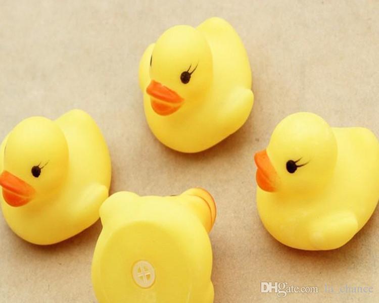 200 قطع رخيصة بالجملة حمام الطفل لعبة المياه اللعب الأصوات المطاط الأصفر البط الاطفال يستحم الأطفال السباحة هدايا الشاطئ
