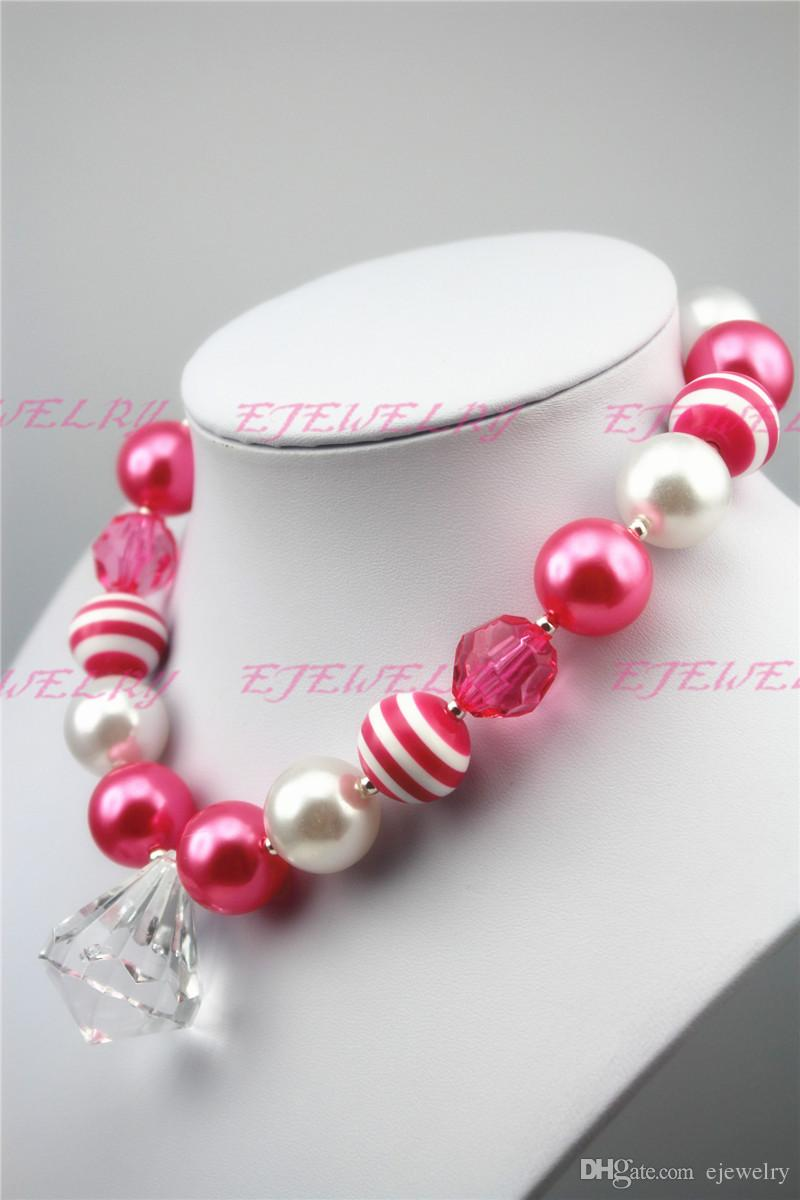 Clássico Chunky Natal frisada Necklace..Chunky Necklace..Childrens Necklace..Pearl Necklace..Photo Prop..Birthday CB112