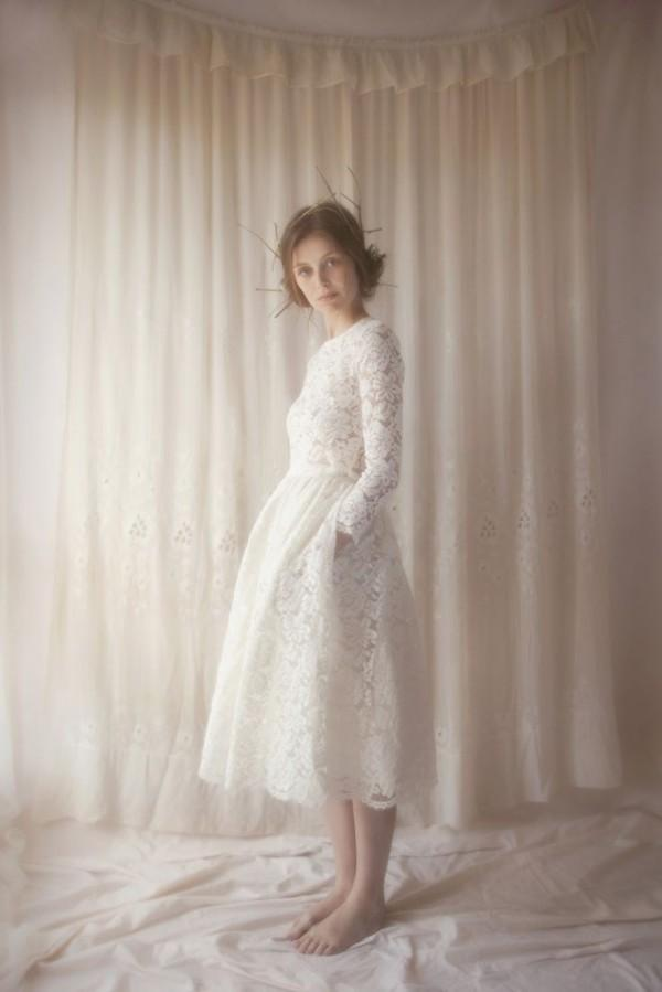 Spring Summer Short Tea Length Wedding Dresses Vintage Lace Crew Neckline Long Sleeves Bridal Gowns Custom Made High Quality