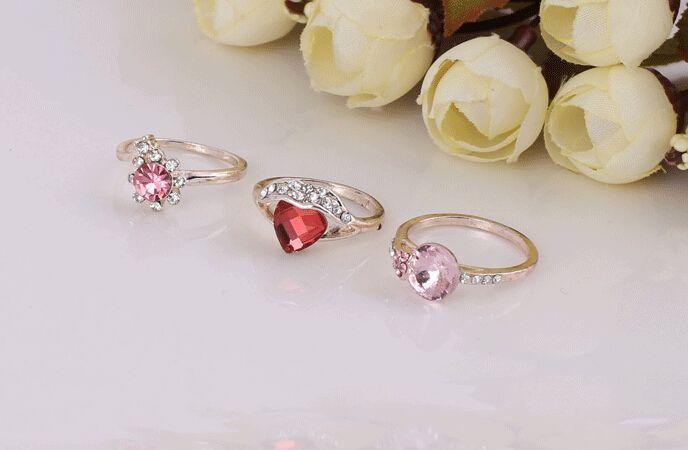 2015 vente chaude mode femme / fille coeur prismatique cristal irrégulier bague en or rose style mélangé /