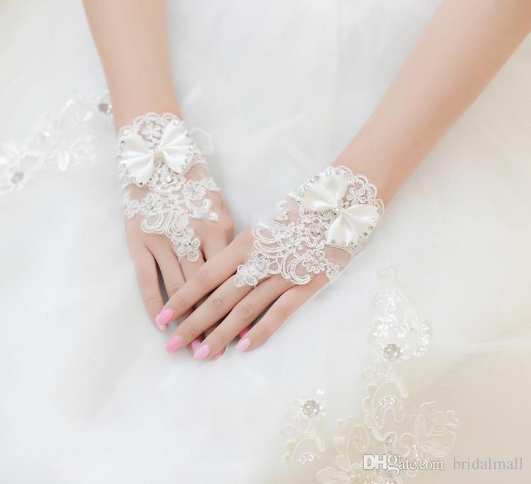Sıcak Satış Yüksek Kalite Beyaz Parmaksız Gelin Eldiven Kısa Bilek Uzunluğu Zarif Rhinestone Gelin Düğün Eldiven gelin eldi ...