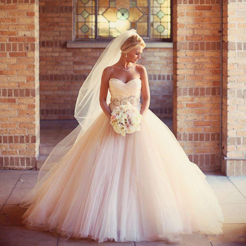 Encantador Blush Rosa Vestidos de Casamento 2018 Tulle Frisado Sash Flor Barato A Linha Querida País Sem Mangas Vestidos de Noiva Vestidos de Baile