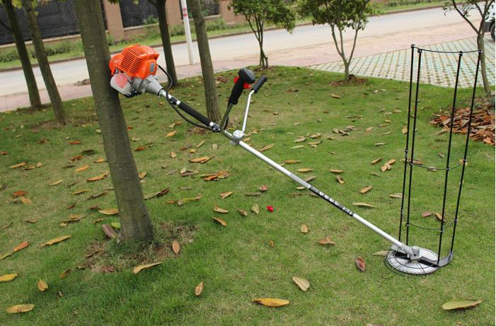 Manufacturers of 520 1E44F, two stroke side hanging type high power mower, brush cutter