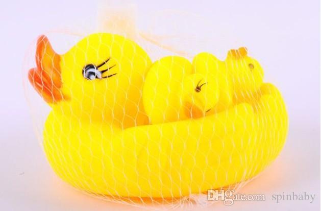 Милый Ребенок Девочка Мальчик Ванны Для Купания Классические Игрушки Резиновые Гонки Скрипучий Утки Набор Желтый Продажа
