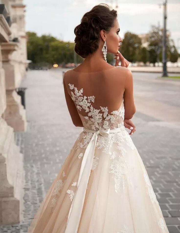 ريفسترن 2019 خمر خط فساتين الزفاف الرباط فساتين العروس Appliqued الزفاف بالإضافة إلى اللؤلؤ حجم