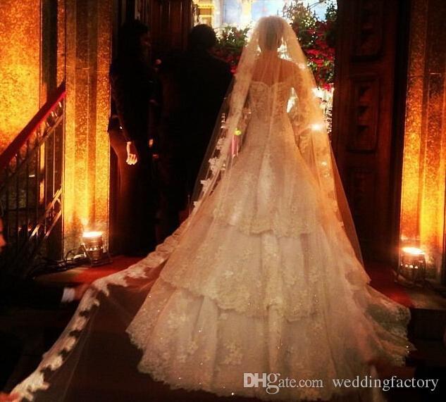 Luxe trouwjurk Sexy Trouwjurken van de Schouder Lange Mouwen Sheer Beaded Lace Court Train Vintage Bruidsjurken