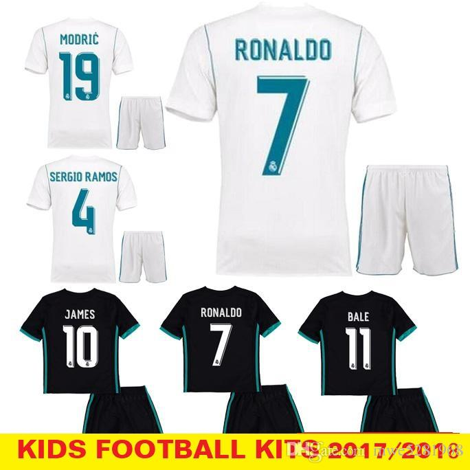 2018 Kids Kit Real Madrid Football Jersey 2017 18 Home White Away ... 49d492454