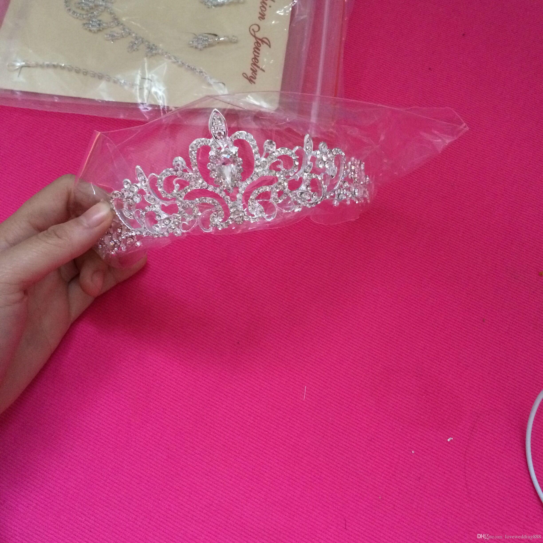 Blowing Beaded Crystals Crowns Corone di nozze 2019 Bridal Crystal Veil Tiara Corona Corona Fascia capelli Accessori capelli Party Tiara Trasporto libero