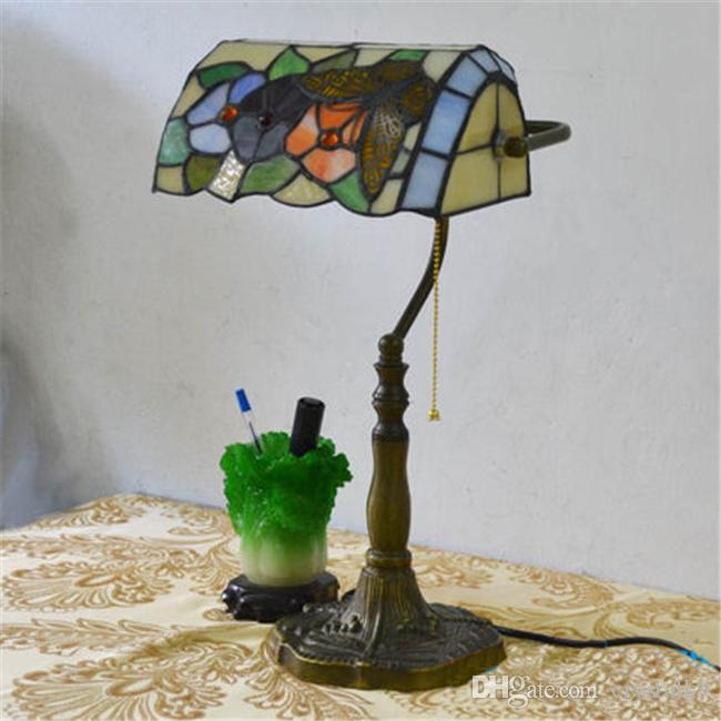 European Style Garden Arts Butterfly Flower Table Lamp Vintage Table Lamp Living Room Bars Tiffany Light Bedroom Study Room Glass Desk Lamp