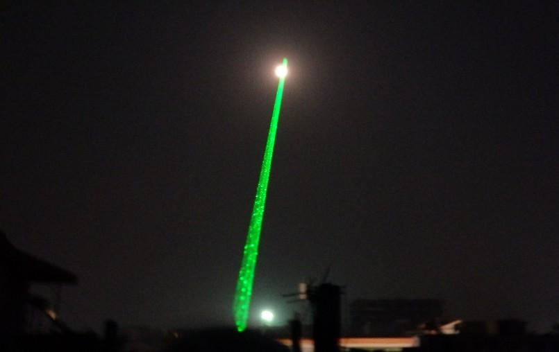Kosten Prijs Promotie High Power 532nm Green Laser Pointers SOS Lazer LED Zaklampen 10 Mile Meest krachtige Lazer + Charger + Retail Box + Safe Key