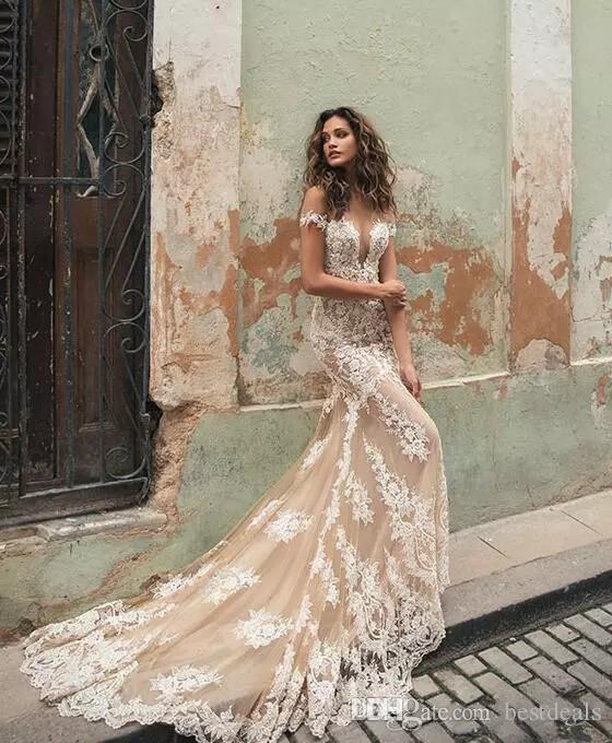 Berta 2019 Champagne Mermaid Wedding Dresses Illusion Neck White Lace Appliqued Short Sleeves Court Train Bridal Gowns