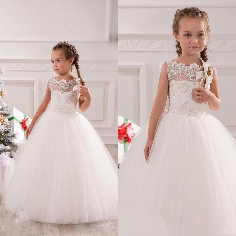 Neue 2018 Hochzeit Blumenmädchenkleider Ballkleid Prinzessin Bodenlangen Juwel Ausschnitt Weiß Tulle Appliques Perlen Mädchen Festzug Kleider