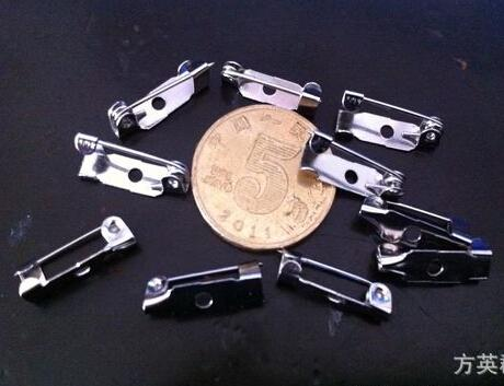 2015 heißer verkauf Rhodium Überzogene Farbe 15mm Metall Brosche Zurück Bar Pins Verschlüsse DIY Schmuckzubehör 50 teile / los