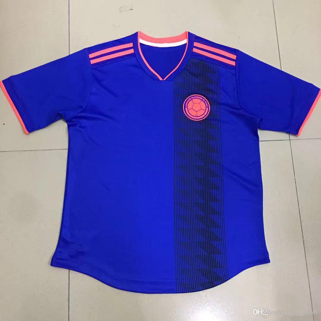 Compre 2018 Copa Do Mundo Colômbia Afastado Azul Camisa De Futebol   10  JAMES Seleção Nacional Camisa De Futebol 2018 Copa Do Mundo De Distância  Azul ... 57b25c6dbcb13