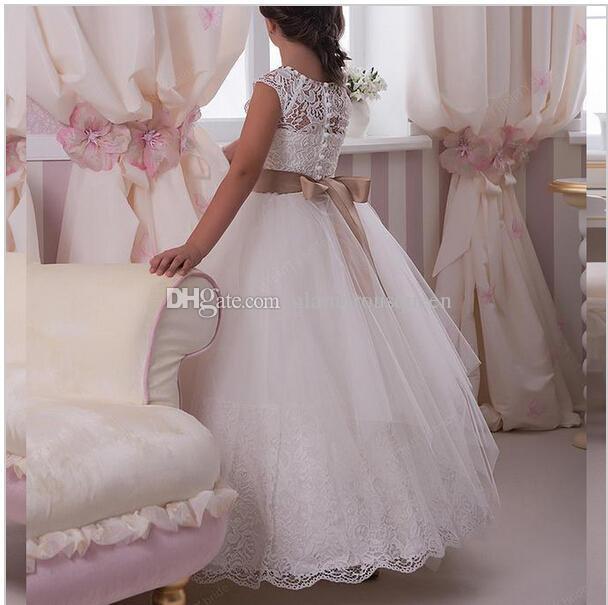 Vestidos de las muchachas de la flor del cordón Scoop una línea con Tulle cristalino vestidos de primera comunion vestido de daminha para casamento pgeant Vestidos de las muchachas