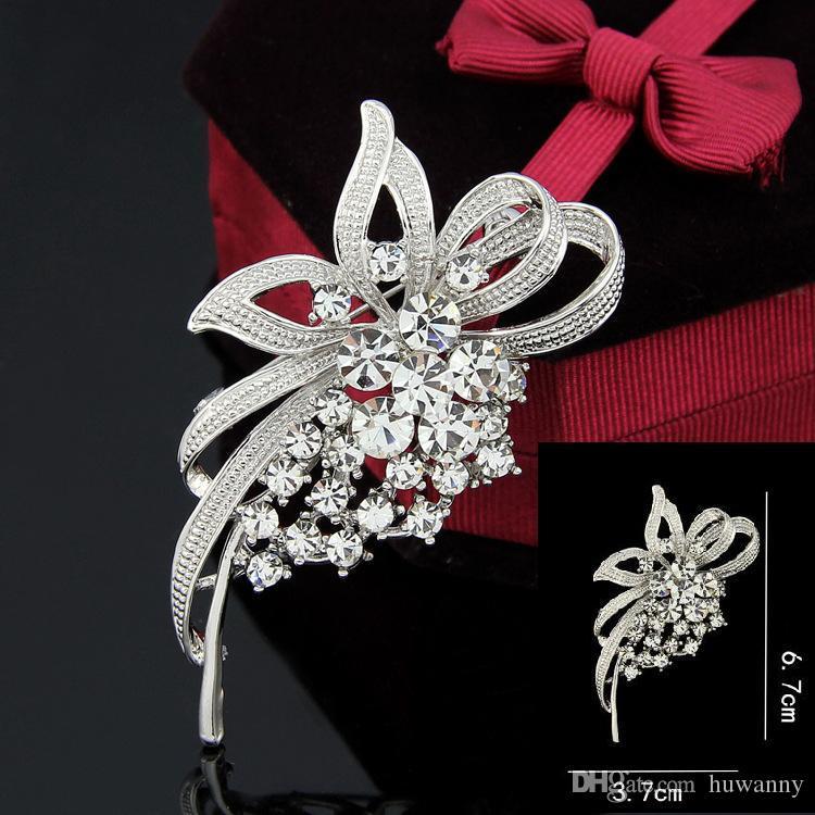 Üst Sınıf Kadınlar Kız Hediye Için Broşlar Iğneler Sıcak Satış Moda Gümüş Kristal Rhinestone Çiçek Buket Pin Broş Toptan Ücretsiz 0006DR