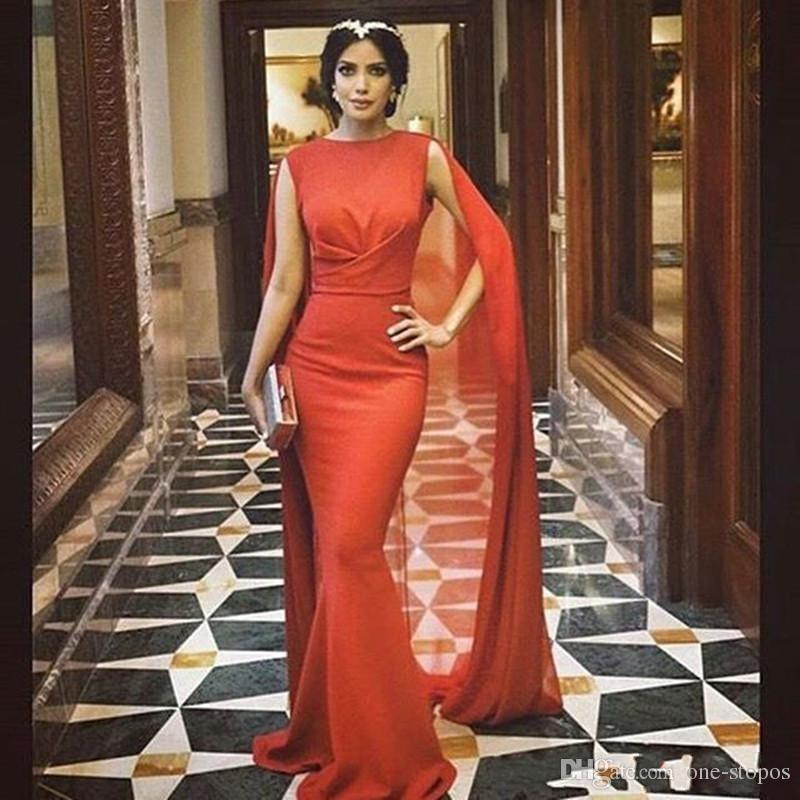 2016 Hot New Red Carpet Carpet Abiti da celebrità con lunghi Chiffon Cape Wrap Arabo Pakistani Prom Abiti da sera Mermaid su misura