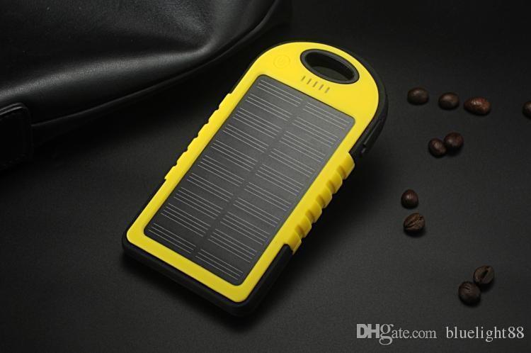 Batteria di riserva esterna del caricatore della Banca di energia solare della porta solare di 5000mAh 2 all'ingrosso con la scatola al minuto il telefono cellulare di Samsung iPad dell'iPhone