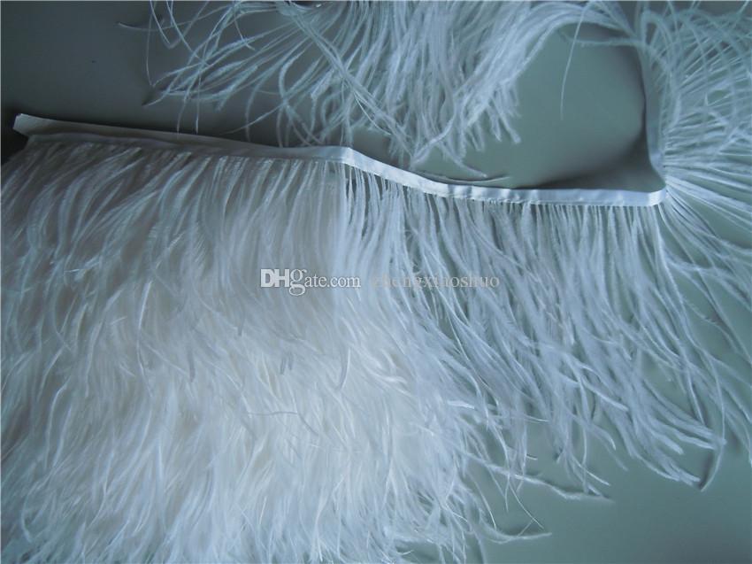 O Envio gratuito de 10 jardas / lote branco 6-7 polegadas 15-18 cm de largura de avestruz pena franja aparamento no Cetim Header