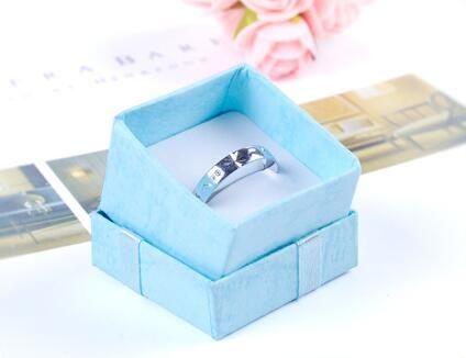 Haute qualité bijoux boîte de rangement en papier multi couleurs bague boucle d'oreille emballage cadeau boîte pour bijoux 4 * 4 * 3 cm /
