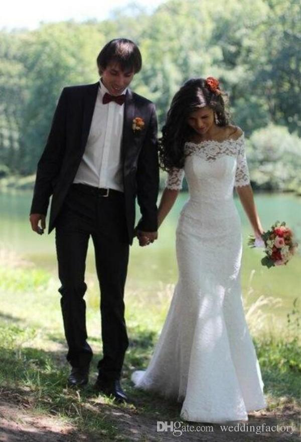 Hermosa sirena Mangas cortas Vestidos de boda Ilusión Botones de retrato Cordones Barrido Tren Vestidos de novia estilo country country Por encargo