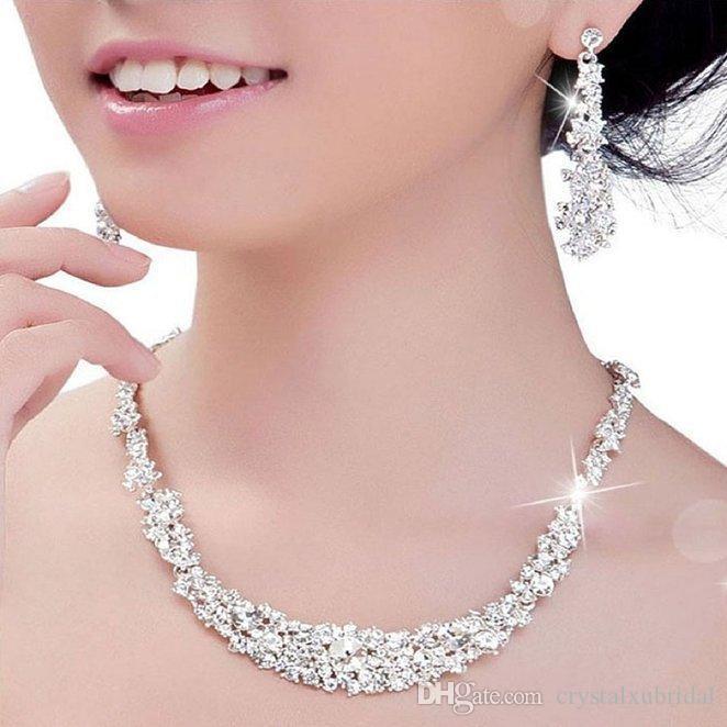 Günstige Kristall Brautschmuck versilberte Halskette Diamant-Ohrringe Hochzeit Schmuck-Sets für Brautbrautjunfern Frauen Braut-Accessoires